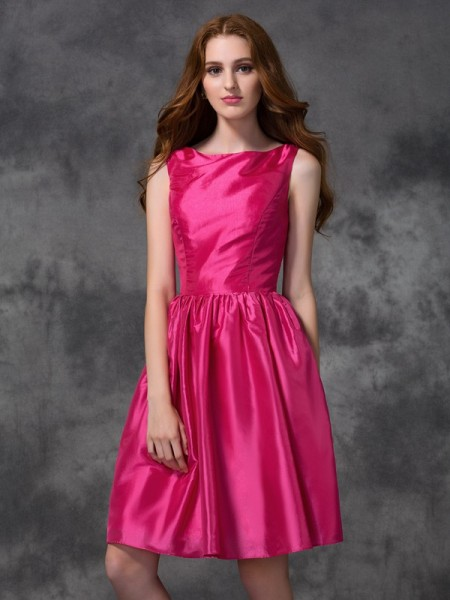 Princess Scoop Knee-length Taffeta Bridesmaid Dress