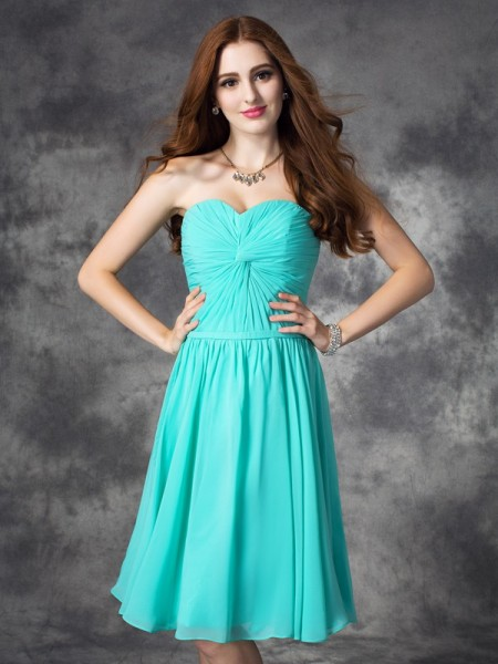 A-line/Princess Sweetheart Ruffles Short Chiffon Dress