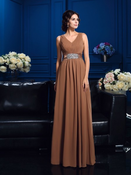A-Line/Princess V-neck Pleats Chiffon Mother of the Bride Dress