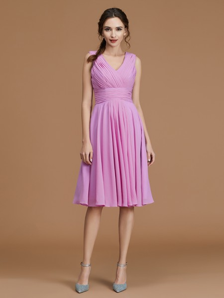 A-Line/Princess V-neck Short/Mini Chiffon Ruched Bridesmaid Dress