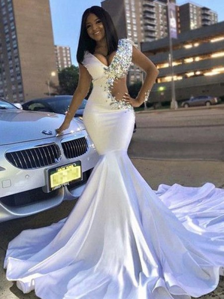 Trumpet/Mermaid Satin Beading V-neck Long Sleeves Court Train Dresses