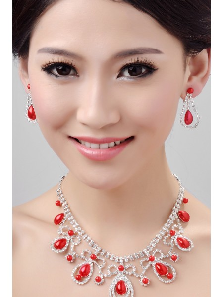 Glamorous Alloy Crystals Wedding Necklaces Earrings Set