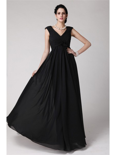 Sheath/Column V-neck Pleats Chiffon Dress