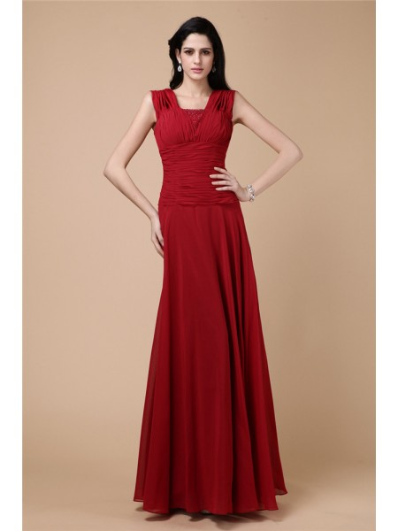 Sheath/Column Pleats Chiffon Dress