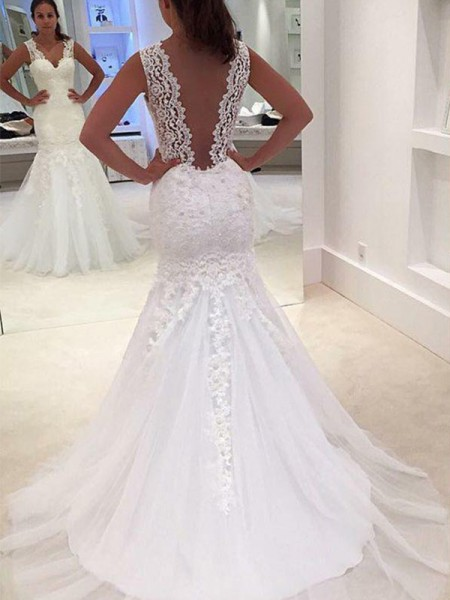 Trumpet/Mermaid Sleeveless Court Train V-neck Applique Lace Wedding Dresses