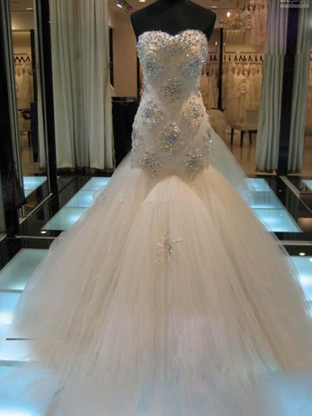 Trumpet Sleeveless Sweetheart Chapel Train Beading Tulle Wedding Gown