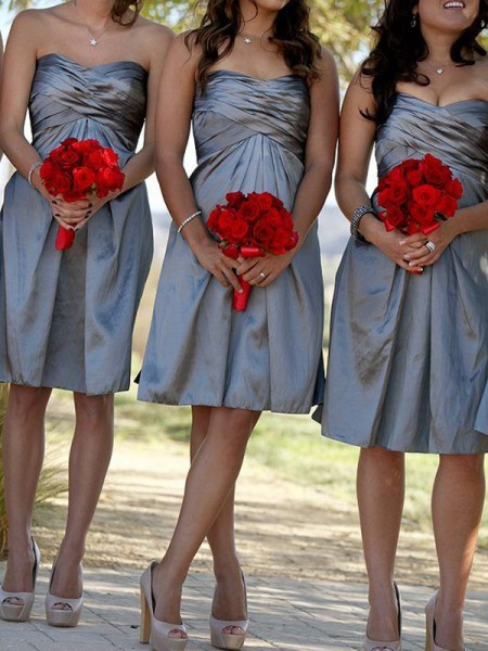 Sheath/Column Sweetheart Satin Short/Mini Bridesmaid Dress
