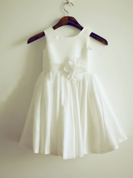 Cute Princess Jewel Sleeveless Hand-Made Flower Knee-Length Taffeta Flower Girl Dress